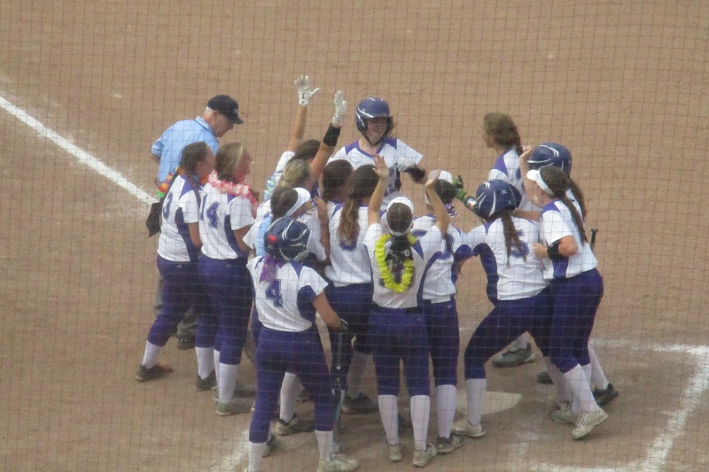 Schoolcraft softball outlasts Dundee in eight-innings to earn first state finals berth