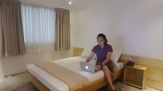 Garv's Boutique Hotel offers no frills accommodation at reasonable prices.