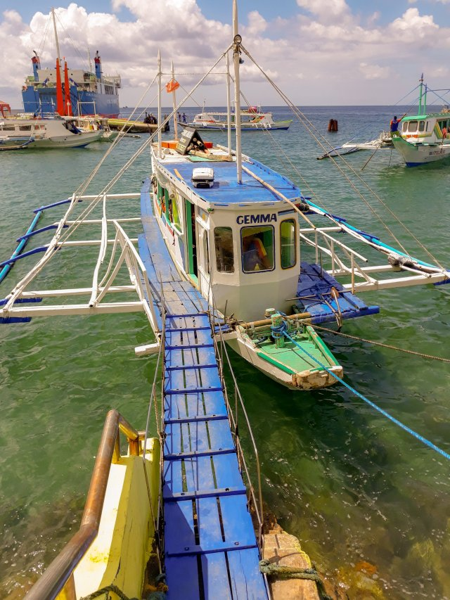 Pump boat from Caticlan Jetty Port to Cagban Port