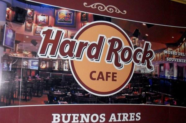 HARD ROCK CAFE – JD | REVIEWS