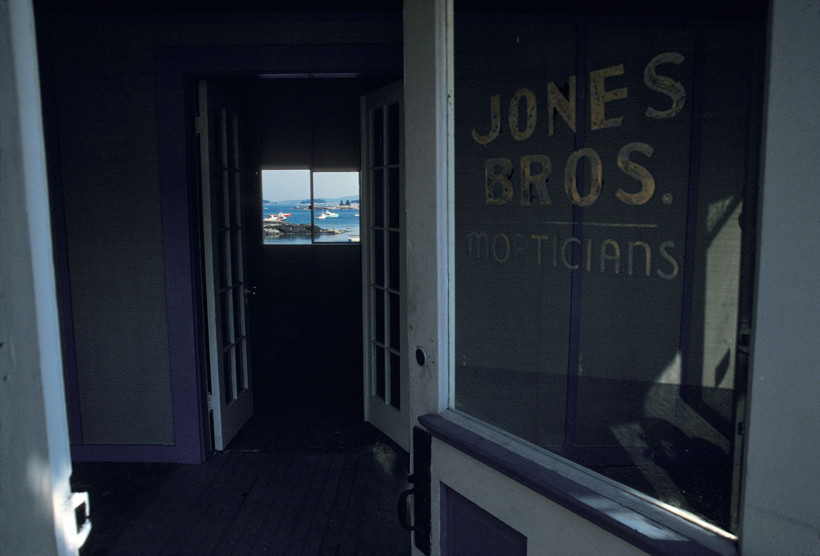 Jones Bros, photo by Joel Mason