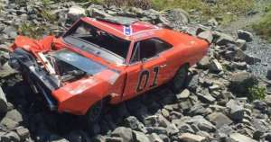 Crashed-General-Lee-Clone-Car-Dodge-Charger-Nova-Scotia-2