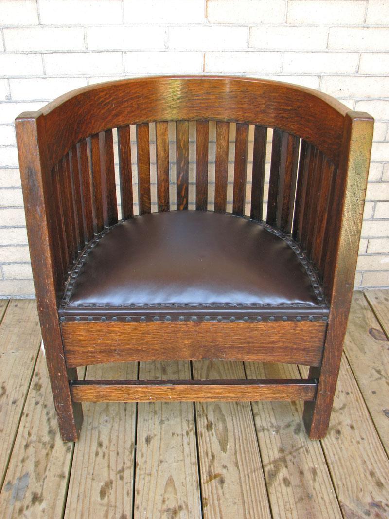 Plail Brothers Barrel Back Chair F134 Joenevo