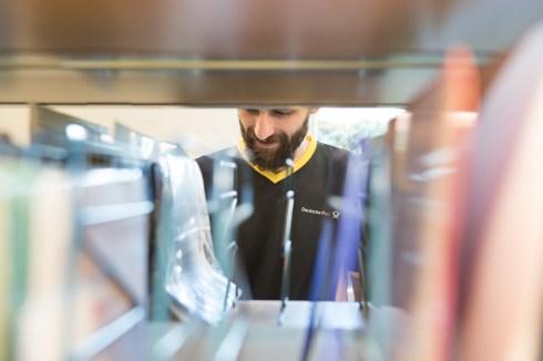 Deutsche Post DHL zum Weltfüchtlingstag