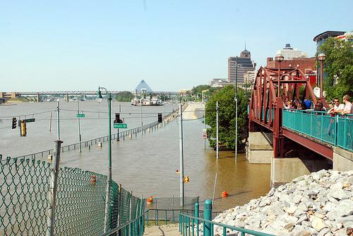 Memphis Flood 2011 47.19 Beale St (7)