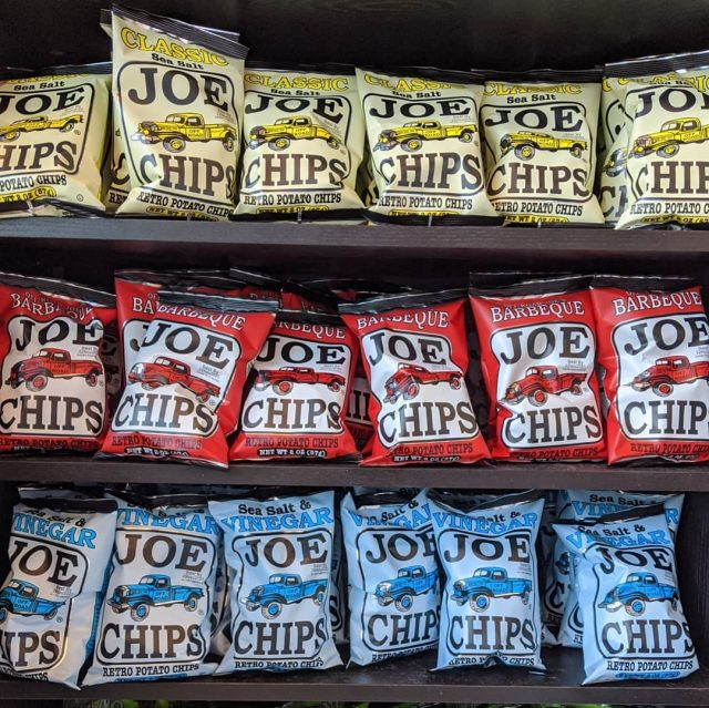 We've got a whole bunch of returning lettermen on the roster these days now that staffing and shopping are returning to normal. Joe's Chips and Tea are back on the shelves which we're super excited about. A slightly limited selection to start with but that should expand at some point. We've also got bone-in lapryorfarms pork chops in the case from this week's #wholehog. And chicken pot pies are back to go along with tonight's #hotandready #dinnerspecial of Chicken Cordon Bleu with Roasted Balsamic Brussels Sprouts. Call or click to reserve your portion for tonight! #14starterscominback #22lettermen #lookintough #forza . . . #butcher #butchery #butchershop #butchersofinstagram #meatmarket #italianmarket #italianfood #glenview #chicago #chicagoeats #eaterchicago #joeschips #joestea #lapryorfarms #lapryorpork #porkchop #pasturedpork #chickenpotpie #chickencordonbleu #dinnermadeeasy