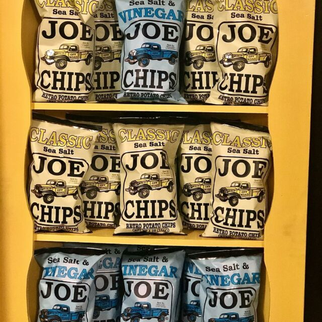 Look who's back!! Joes chips are by far the crunchiest and tastiest chip around. Pair it with a joes tea and you've got the best appetite quenching mashup around. 💪🏻  #visitsummervilleSC #knightsvillesc #saintgeorgesc #sccertified #harleyvillesc #canebay #womanownedbusiness #summervilledream #foodandgarden  #deliciousfood #SummervilleSC #countrystore #local #shoplocal #lowcountrylife #lowcountryliving #lowcountry #southcarolinaliving #southcarolina #lowcountrylife  #dorchestersc #rayosunshine #joeschips #joesteas