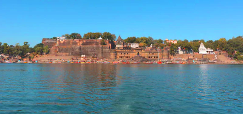 नर्मदा- एक नदी जो पवित्र गंगा को शुद्ध करती है।(Narmada- a river that purifies holy Ganges)