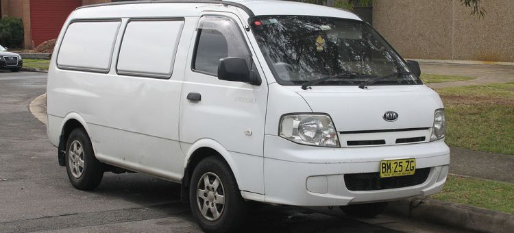 rental kia preggio travello jogja