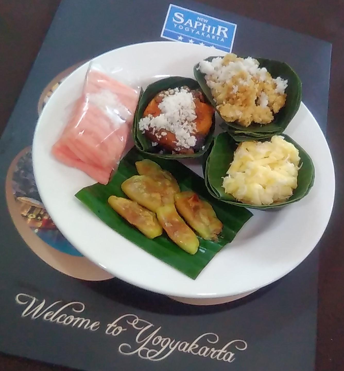 hotel new saphir yogyakarta menu kudapan tradisional