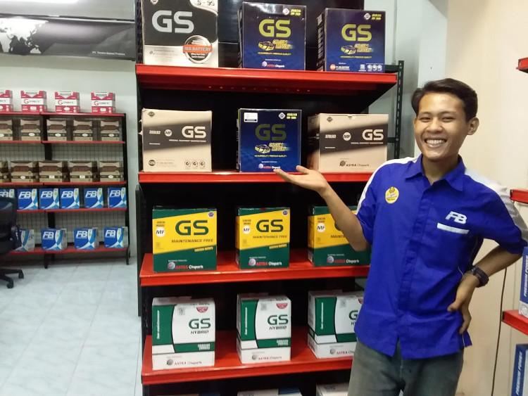 Tim sales dari jujur battery toko aki Jogja siap melayani
