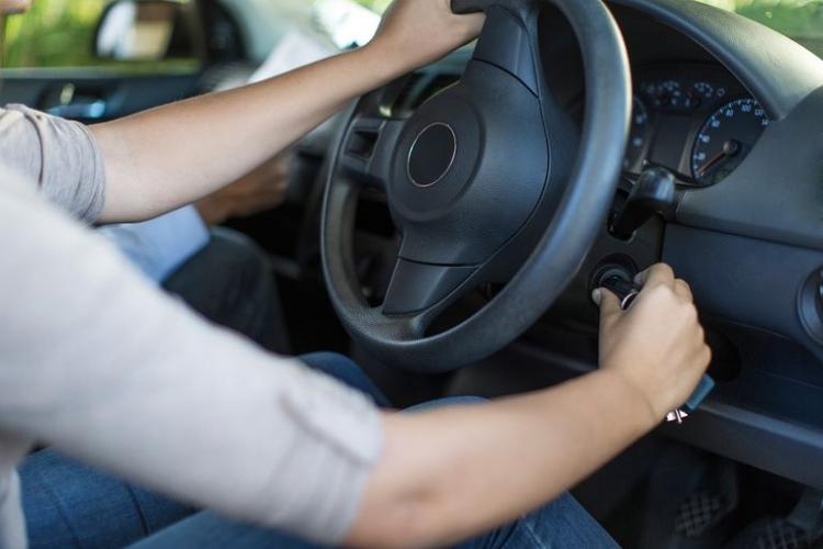 Jogja Variasi Mobil Rawat Mobil Matic Memanaskan Mobil
