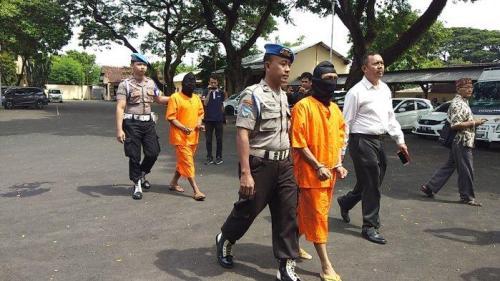 Dua tersangka lelaki asal Madura yang sempat gegerkan warga Kabupaten Pati akibat overdosis narkoba.