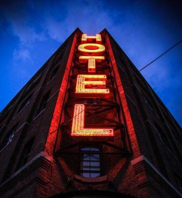 ilustrasi Hotel pexels photo 96444 e1563841615506