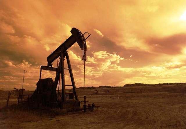 ilustrasi tambang minyak