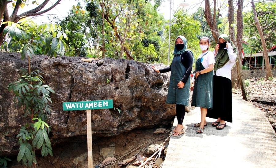 Wisata Ke Watu Amben