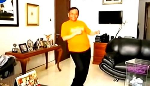 mahfud md joget dangdut