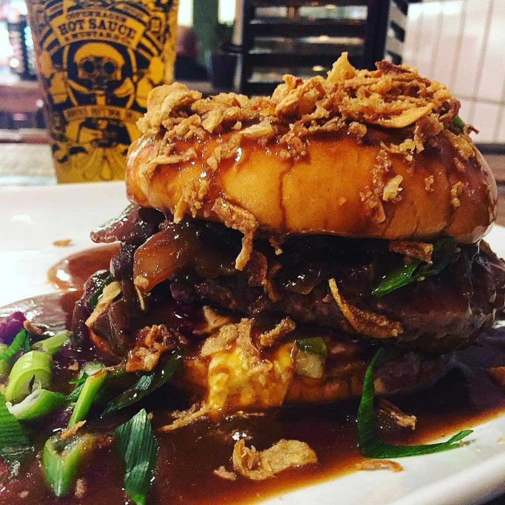 bøfsandwich - gravy burger - at johns hotdog deli