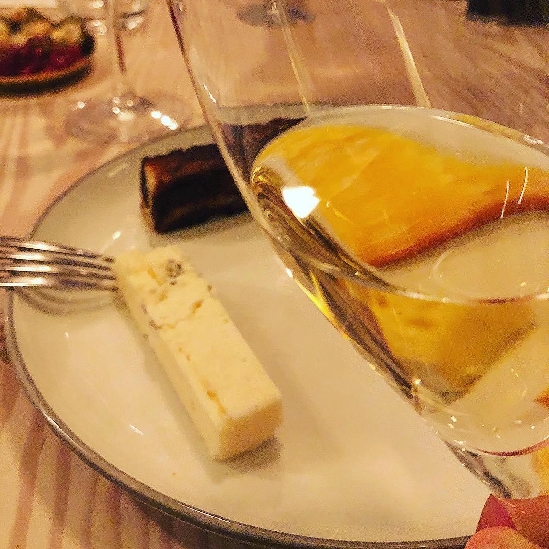 Blanc Des Millenaires 1995 og ost på Restaurant Niels