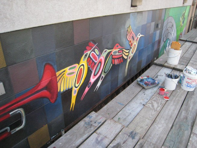 birds horn paint