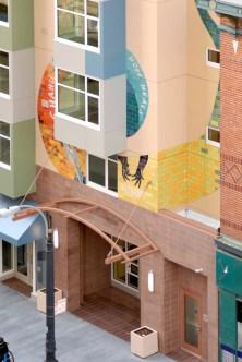 Intertwined-Glide-Housing-corner