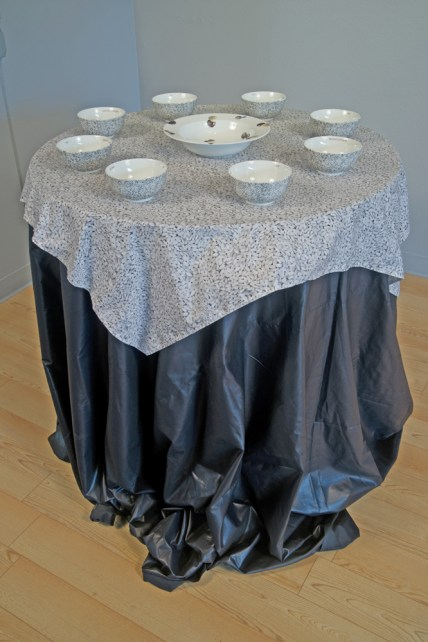 Placesetting bowl-table
