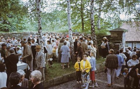 Gemeindefest nach dem Festgottesdienst.