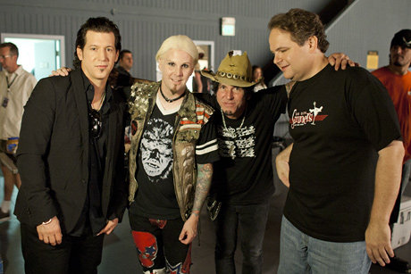 John 5 backstage at That Metal Show with Tracii Guns and Michael Monroe. Photo from vh1.com