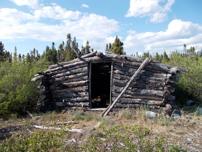 Trap cabin on esker, Wholdaia Lake at the headwaters of the Dubawnt River