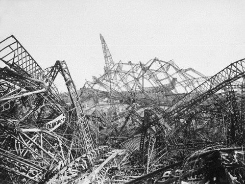 Wreckage-of-an-airship-in-0
