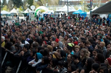 The crowd for Hey Ocean
