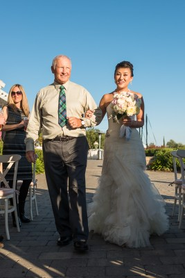 father walks bride down aisle, sonoma wedding