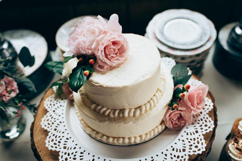 Spruce Mountain Ranch Wedding Photography cake