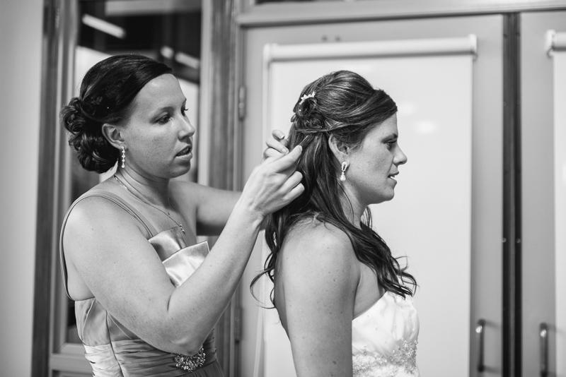 Denver Wedding Photography Arrowhead bride getting ready