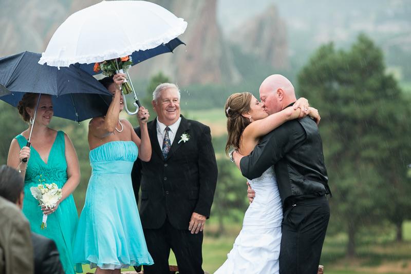 Denver Wedding Photography Arrowhead kiss