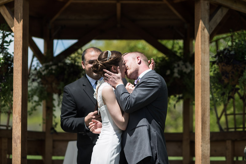chatfield botanic gardens wedding photography first kiss