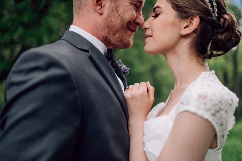 chatfield botanic gardens wedding photography nose smush