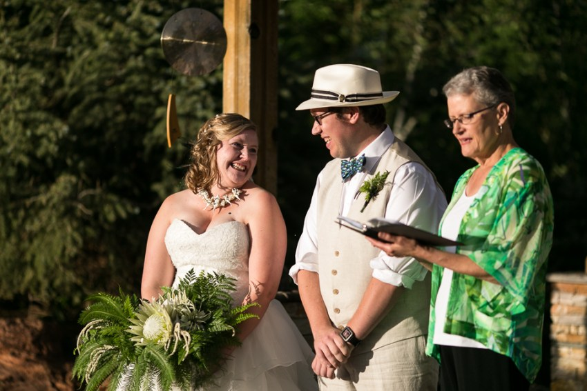 morrison willow ridge manor wedding photographer laughing