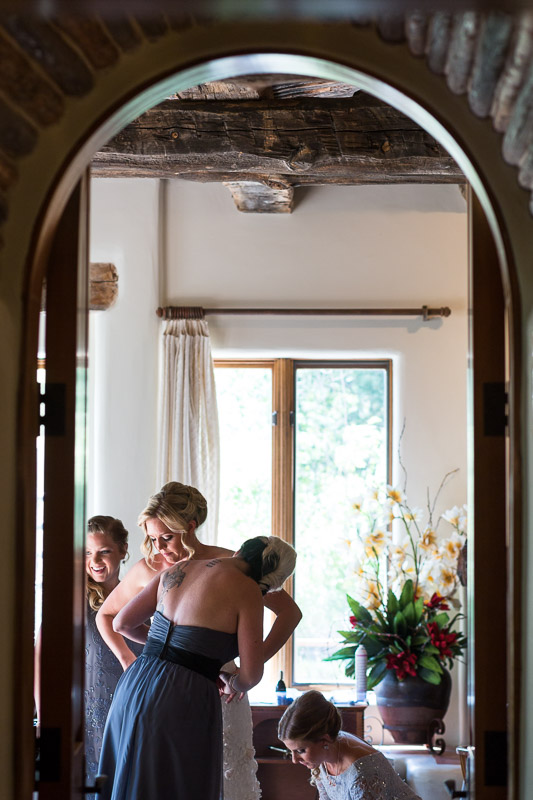 Cuchara Wedding Photographer bride getting dressed