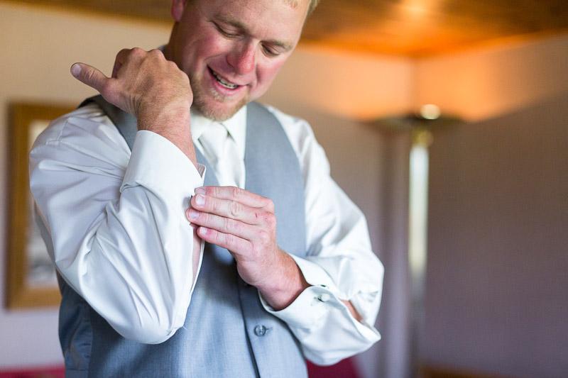 Cuchara Wedding Photographer groom cufflink