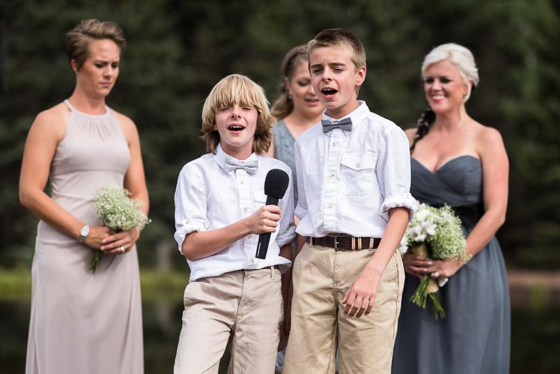 Cuchara Wedding Photographer kids singing