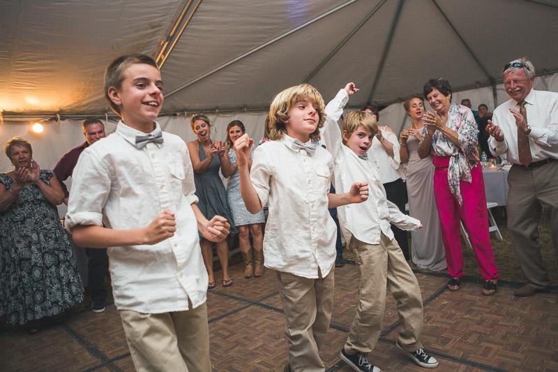 Cuchara Wedding Photographer kids dancing