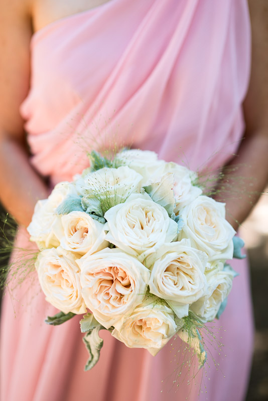 deer park villa wedding photography rose bouquet