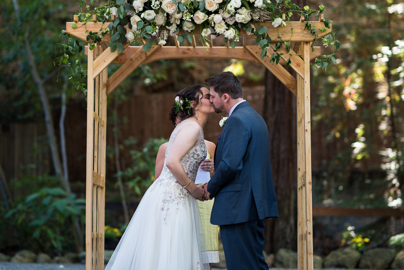 deer park villa wedding photography first kiss