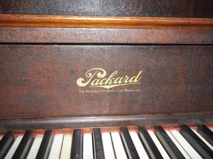 Packard Piano Logo