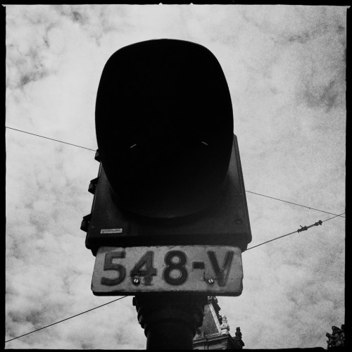 Black and white photograph of a traffic signal in amsterdam taken with the iPhone and Hipstamatic