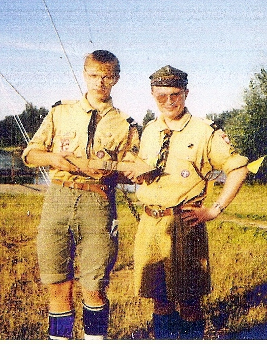 Polish_Scouts_with_Golden_Arrow