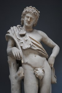 421848-statue_with_a_fig_leaf