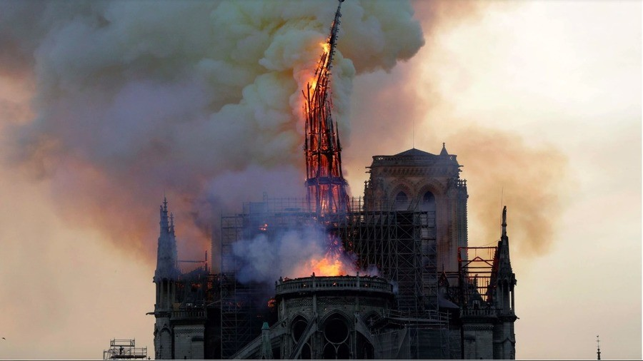 Notre+dame+burning+taken+from+the+new+york+timesparis+_bf0afd_7043516
