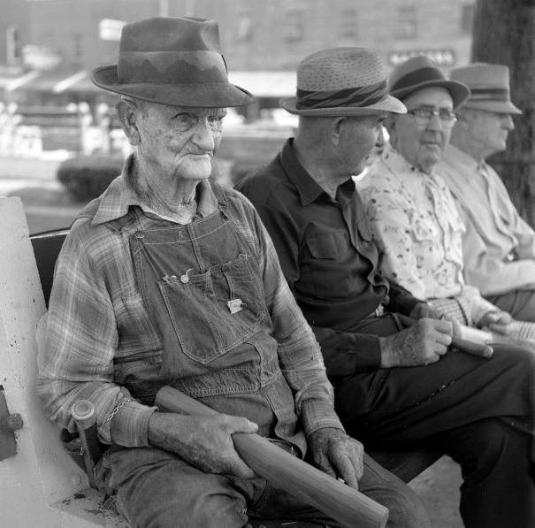 7-1976 The Whittlers-Marshall County courthouse-Lewisburg Tennessee-Yashica 635 TLR camera-Kodak Plus X Pan Pro 120 film-Kodak D76 developer.developer.